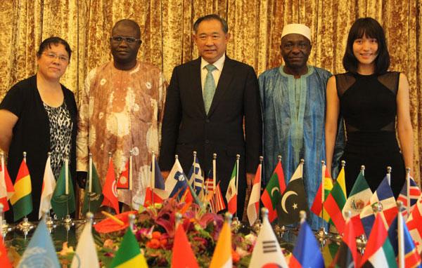 马里驻华大使一行访问中国世界和平基金会