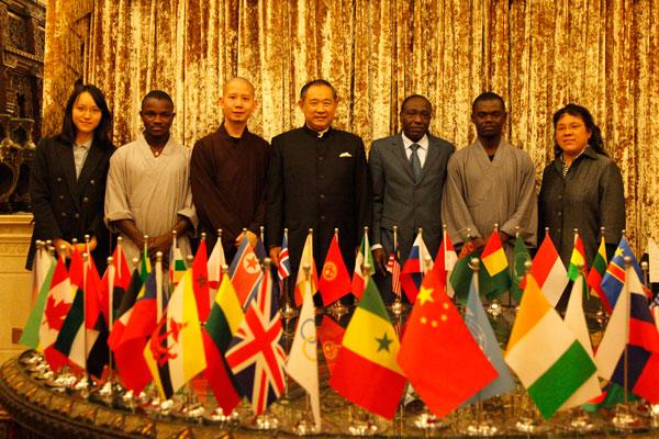 中国NGO与UNESCO合作率少林武术代表团走进非洲