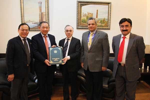 巴基斯坦政府任命李若弘先生为该国投资顾问