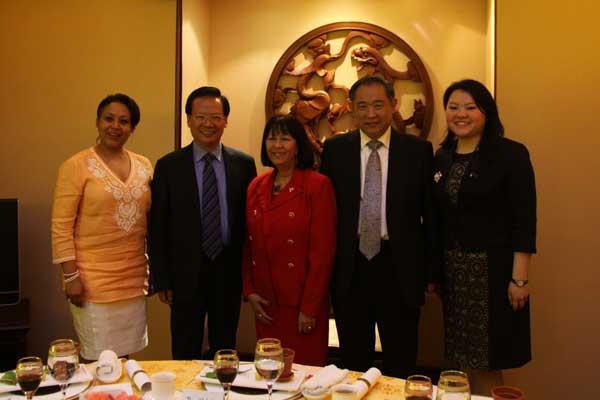 加勒比地区三国驻华代表在北京进行和苑座谈会