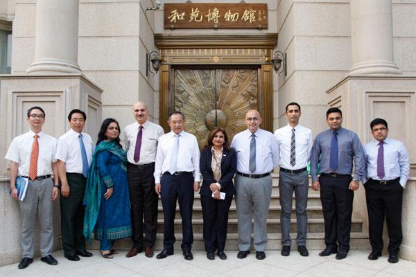 中国世界和平基金会与巴基斯坦代表团交流公益