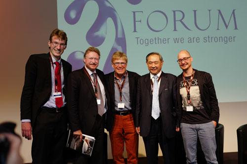 """李若弘在瑞士国际论坛畅谈""""我们一起成长"""""""