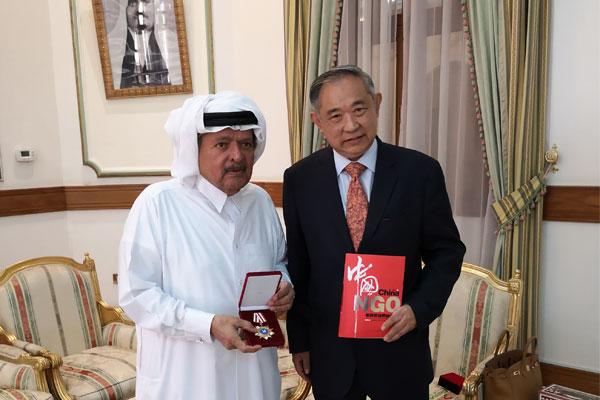 李若弘在卡塔尔坐客亲王府与费舍尔亲王会谈