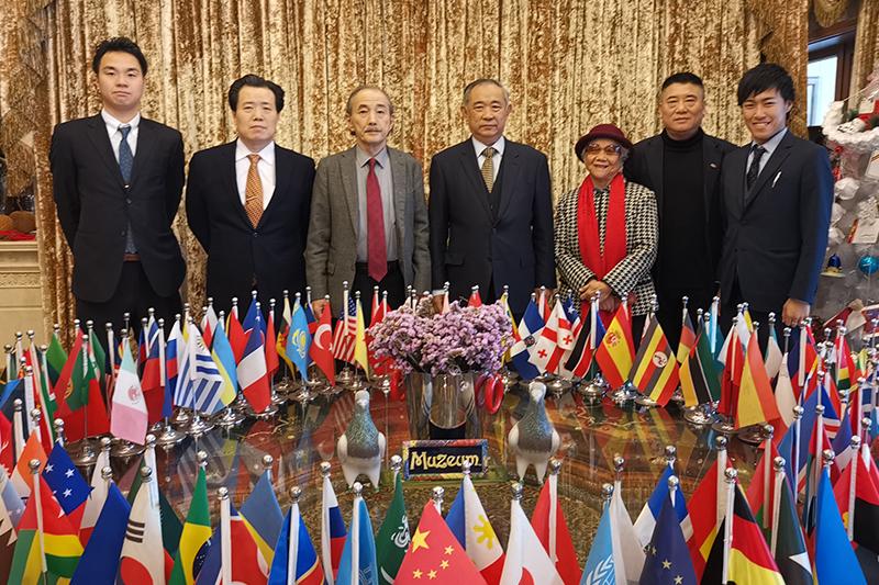 田中京率日本代表团访问和苑愿两国世代友好